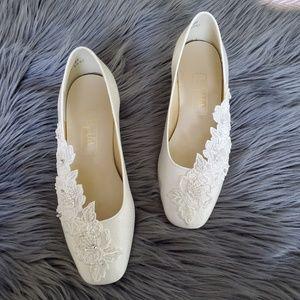Vintage Embroidered Floral Peal Wedding Heels